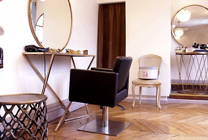 Makeup and hairdressing salon in Paris